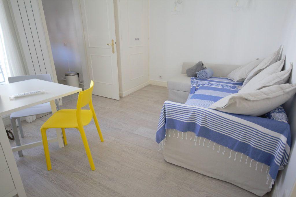 Appartement à louer 2 25.92m2 à Deauville vignette-1