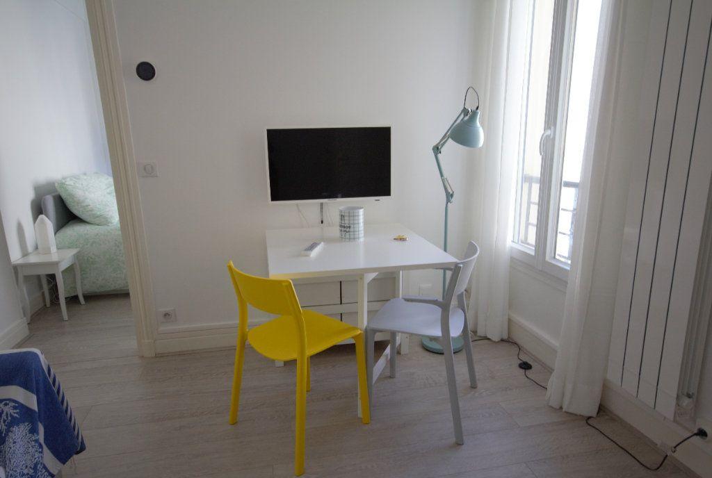 Appartement à louer 2 25.92m2 à Deauville vignette-2