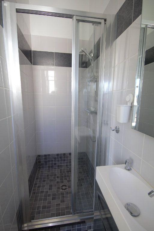 Appartement à louer 2 25.92m2 à Deauville vignette-5