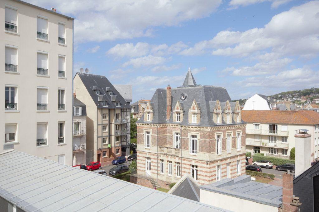 Appartement à louer 2 25.92m2 à Deauville vignette-6