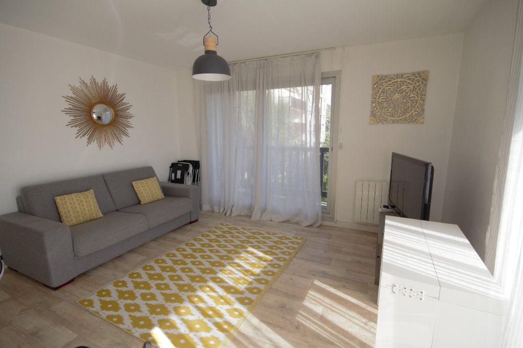Appartement à louer 2 40.57m2 à Deauville vignette-1