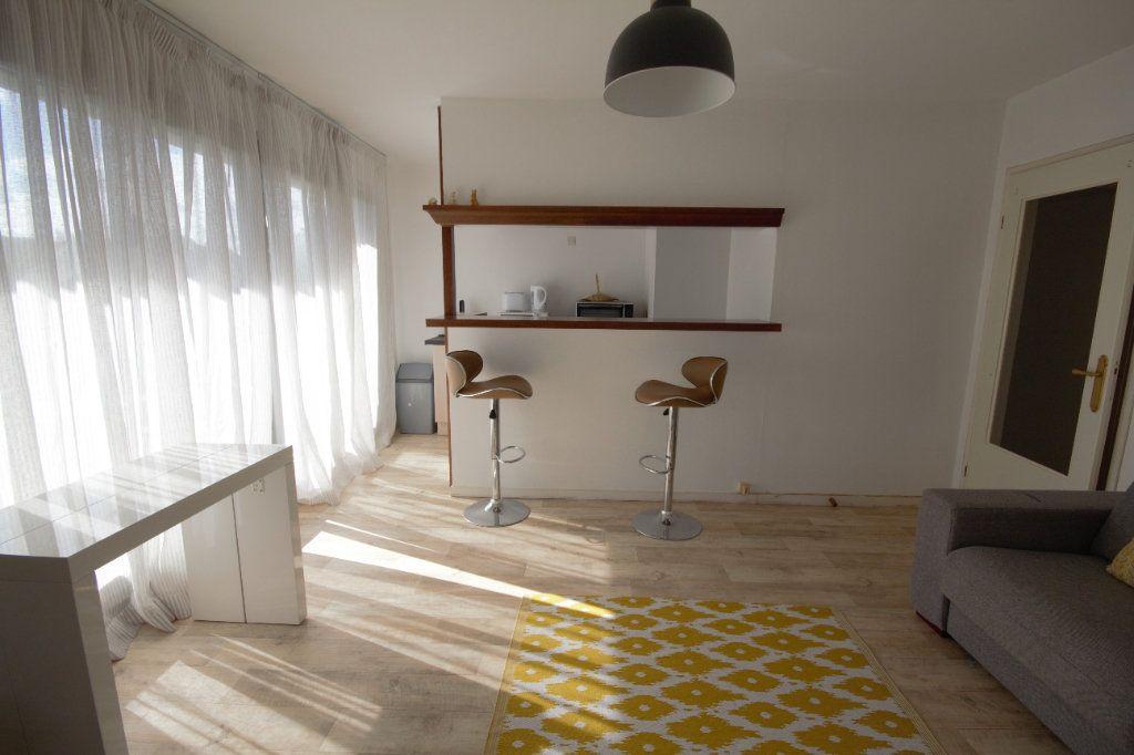 Appartement à louer 2 40.57m2 à Deauville vignette-3