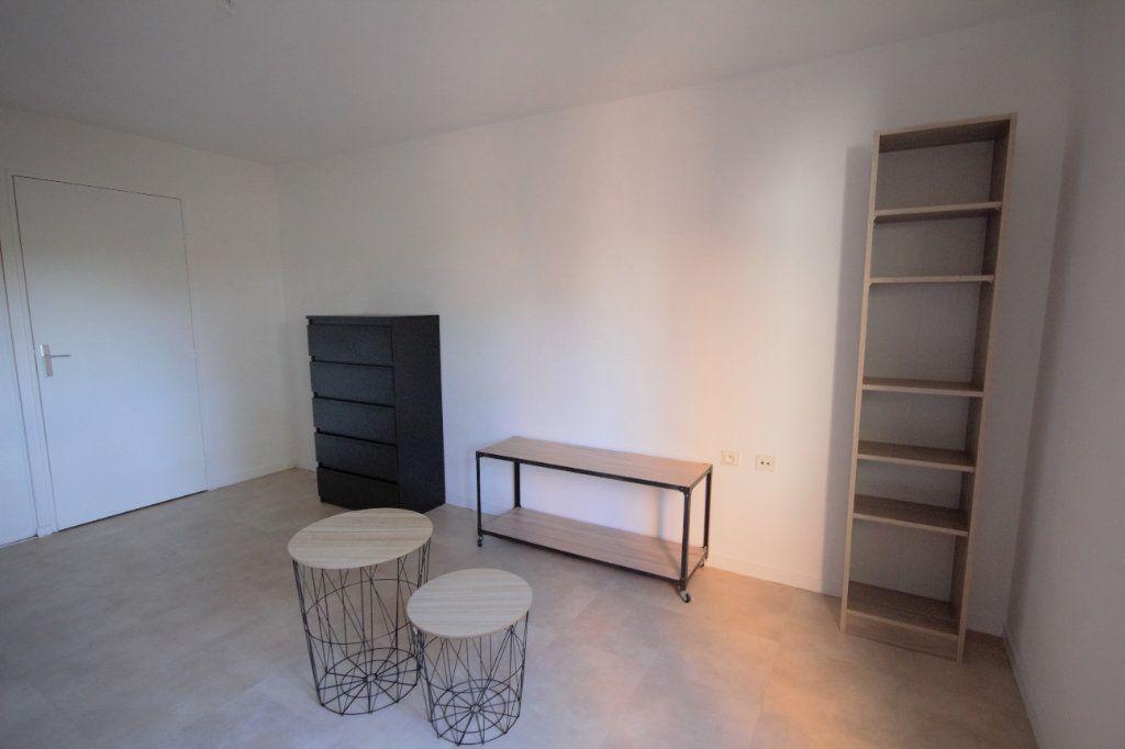 Appartement à louer 1 22.56m2 à Touques vignette-3