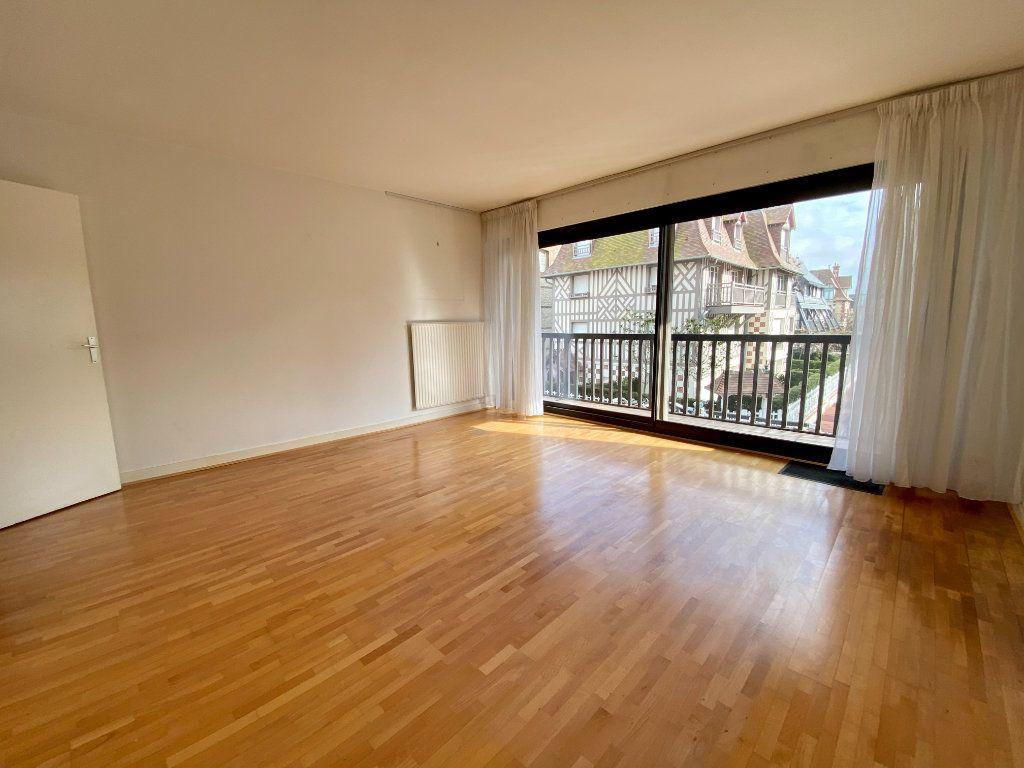 Appartement à vendre 2 65.9m2 à Deauville vignette-1