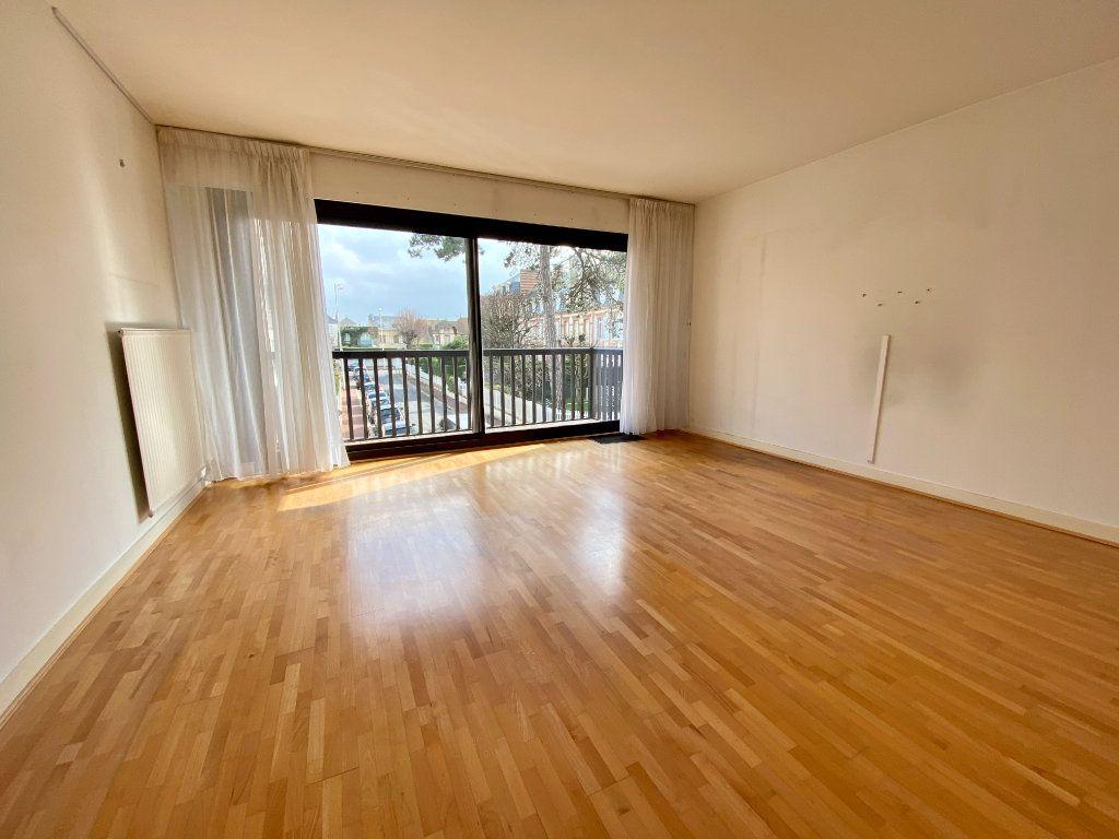 Appartement à vendre 2 65.9m2 à Deauville vignette-2