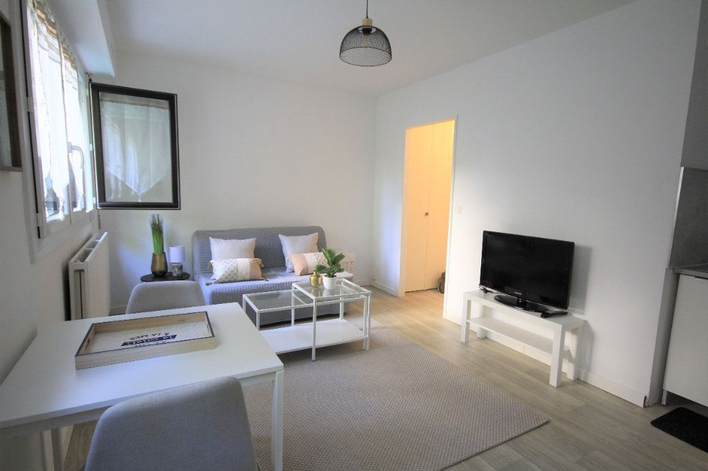 Appartement à louer 1 22.16m2 à Trouville-sur-Mer vignette-2
