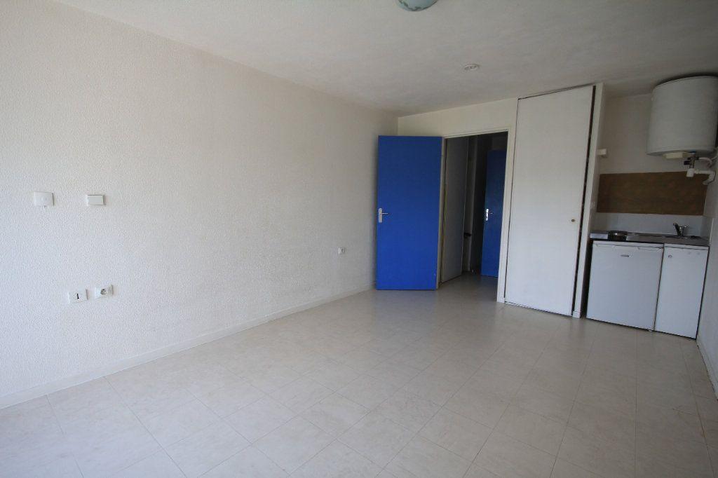 Appartement à louer 1 23.94m2 à Touques vignette-2