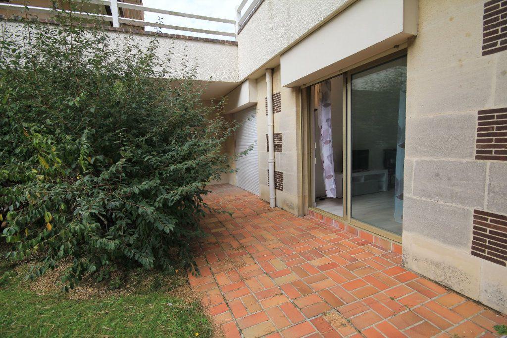 Appartement à louer 1 19.96m2 à Deauville vignette-1