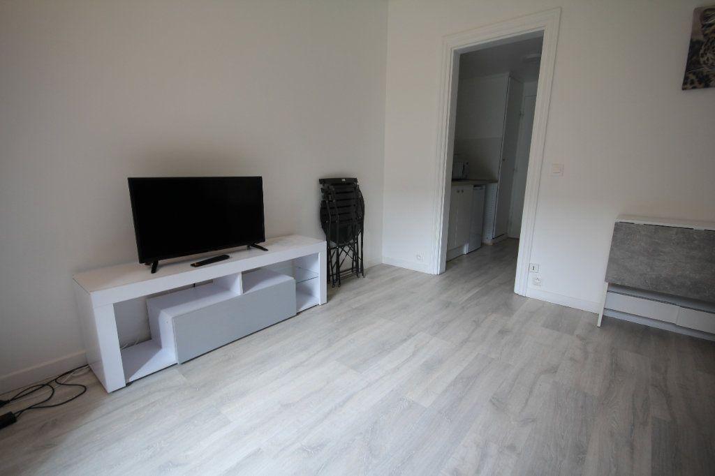 Appartement à louer 1 19.96m2 à Deauville vignette-3