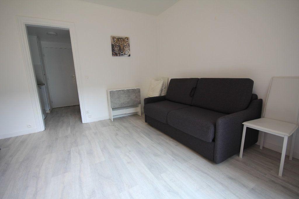 Appartement à louer 1 19.96m2 à Deauville vignette-4