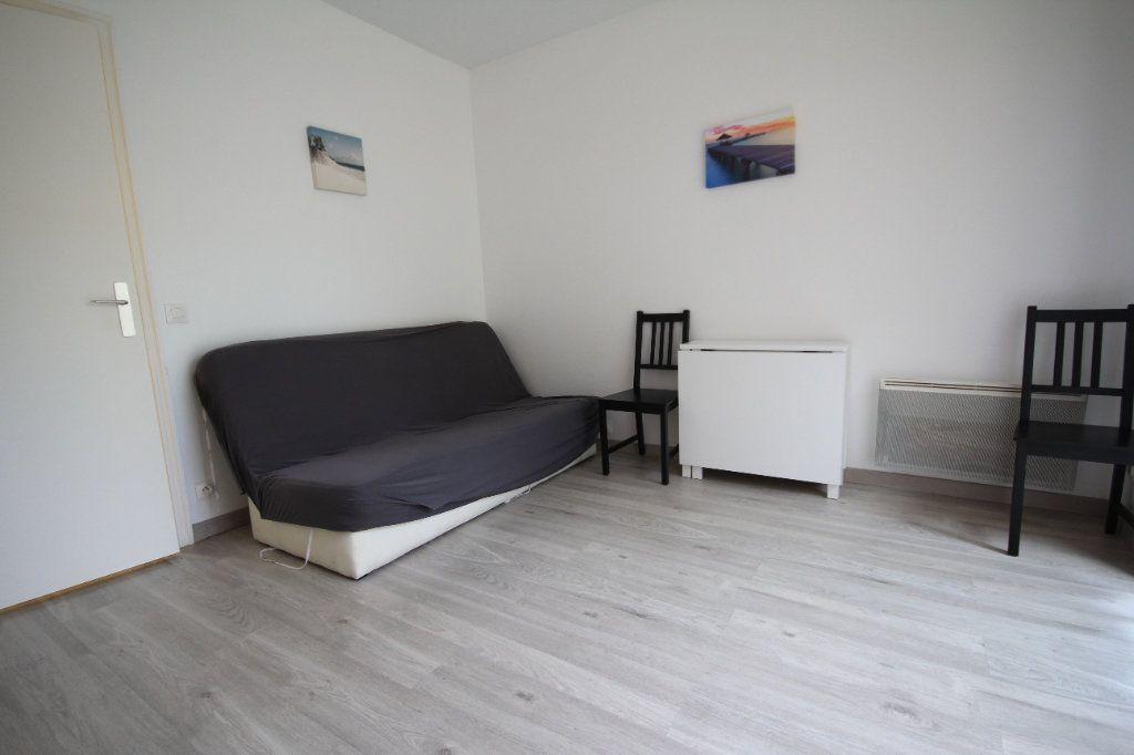 Appartement à louer 1 19.67m2 à Deauville vignette-1