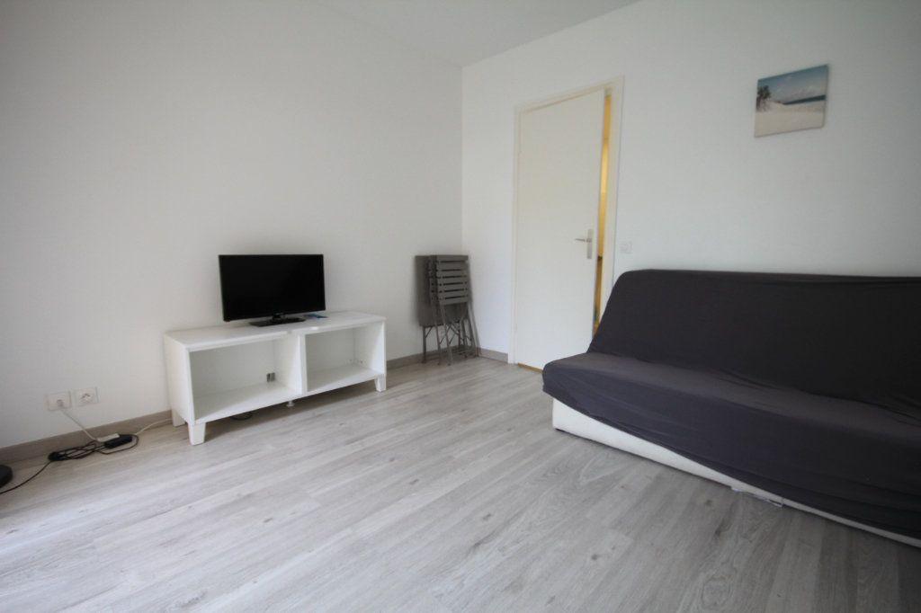 Appartement à louer 1 19.67m2 à Deauville vignette-2