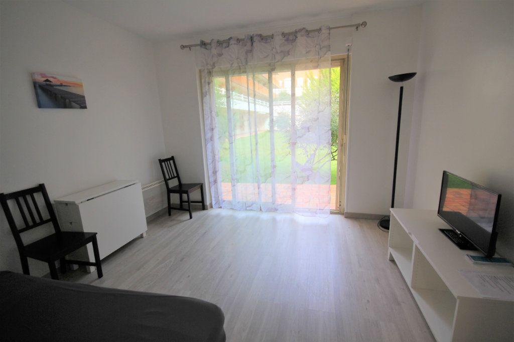 Appartement à louer 1 19.67m2 à Deauville vignette-3