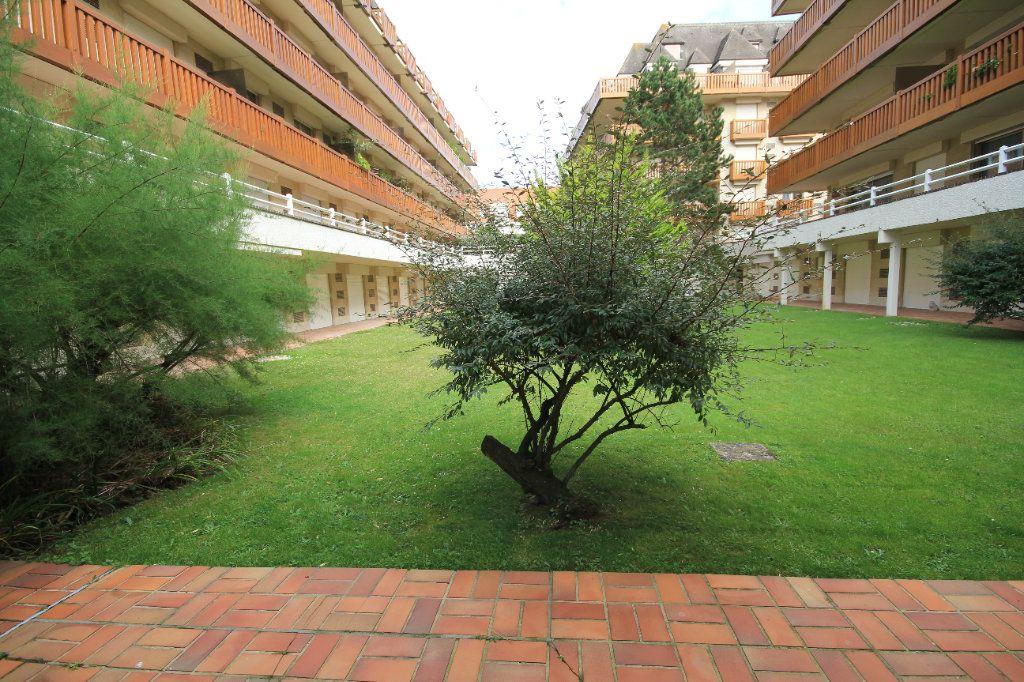 Appartement à louer 1 19.67m2 à Deauville vignette-7
