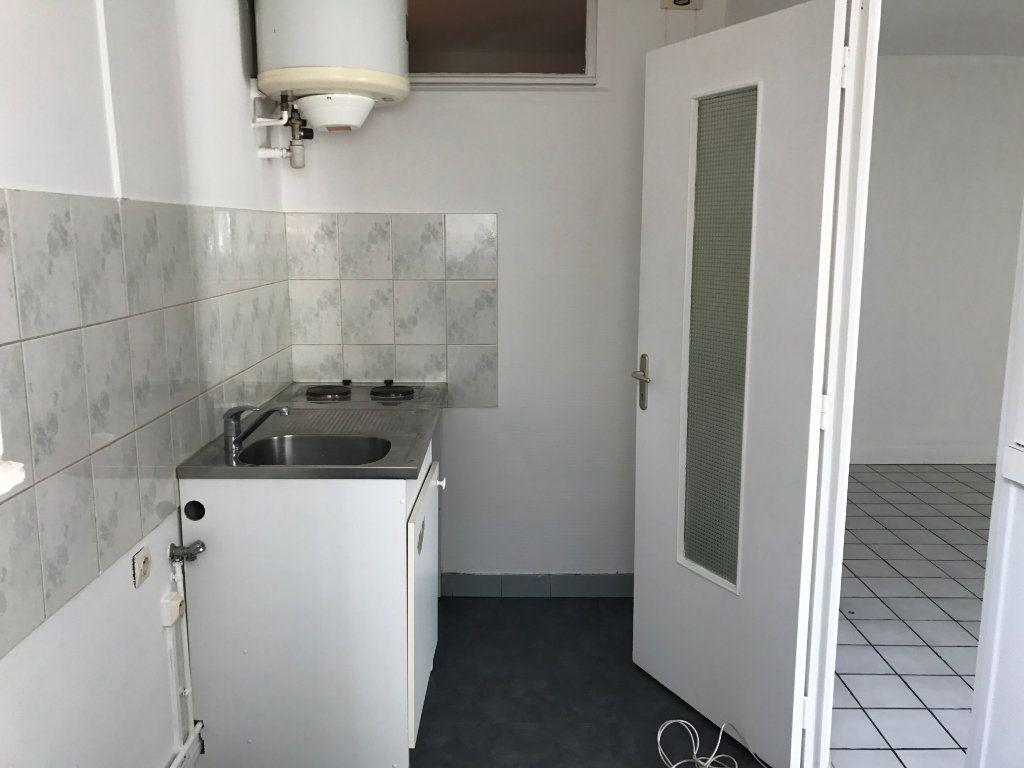 Appartement à louer 1 24m2 à Rouen vignette-3