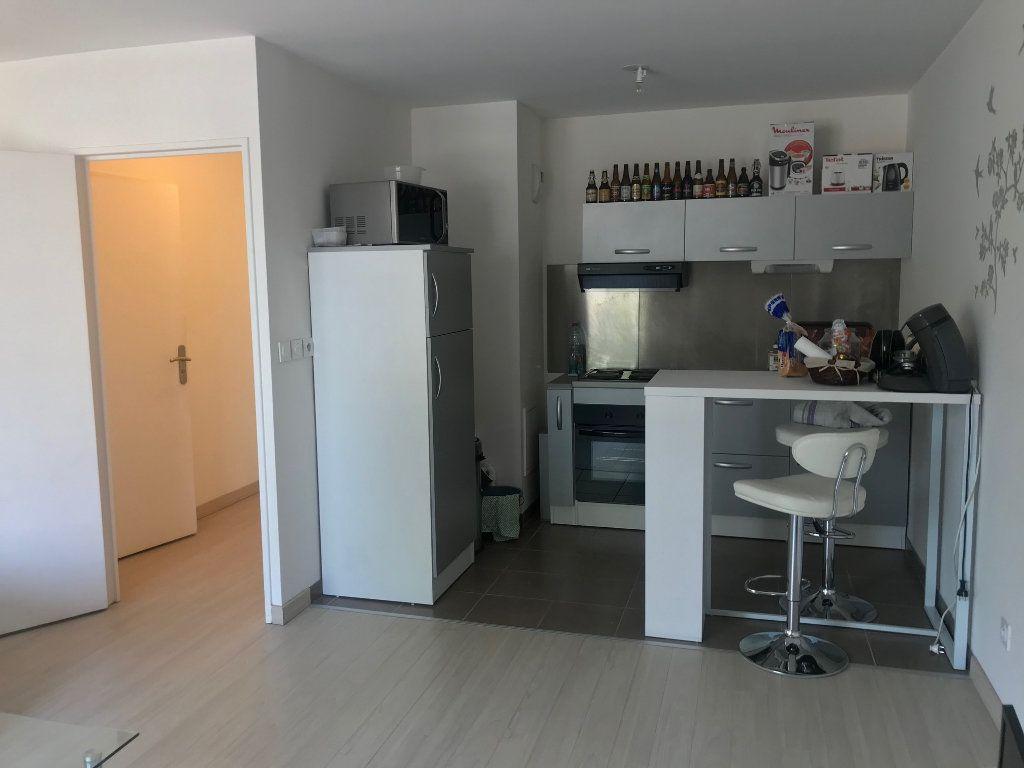 Appartement à louer 2 41m2 à Le Petit-Quevilly vignette-2
