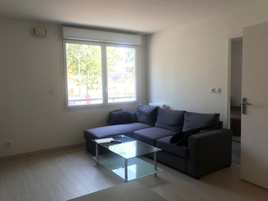 Appartement à louer 2 41m2 à Le Petit-Quevilly vignette-3