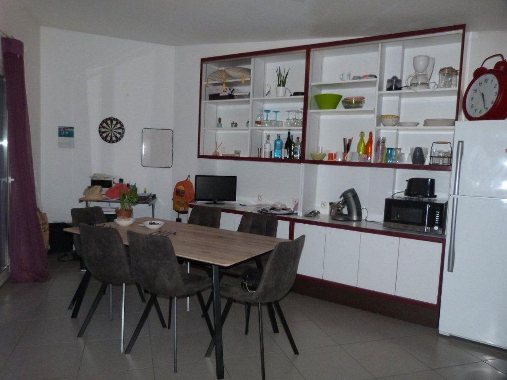 Appartement à louer 3 74.92m2 à Le Petit-Quevilly vignette-2