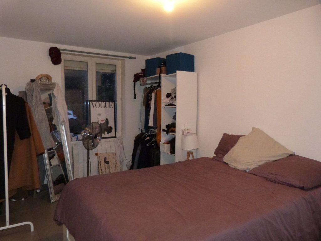 Appartement à louer 3 74.92m2 à Le Petit-Quevilly vignette-6