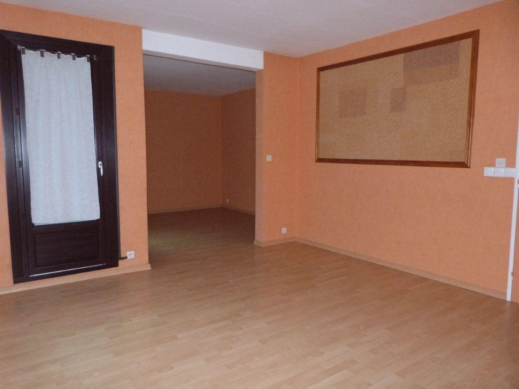 Appartement à vendre 3 65m2 à Le Petit-Quevilly vignette-1