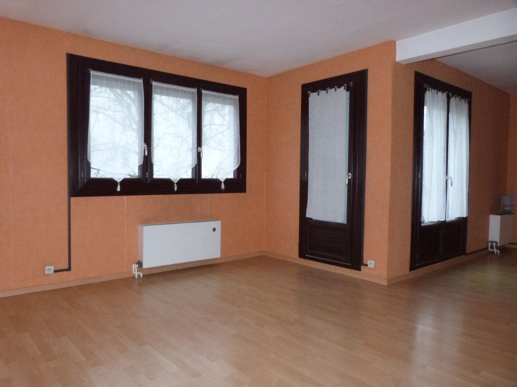 Appartement à vendre 3 65m2 à Le Petit-Quevilly vignette-3