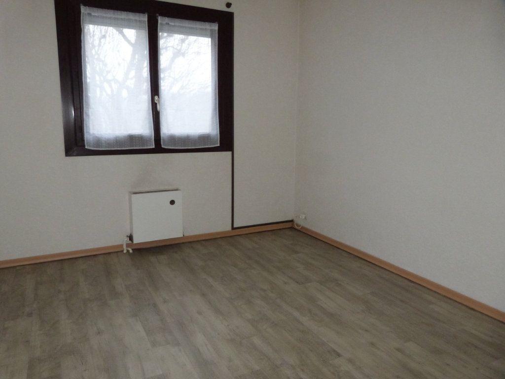 Appartement à vendre 3 65m2 à Le Petit-Quevilly vignette-5