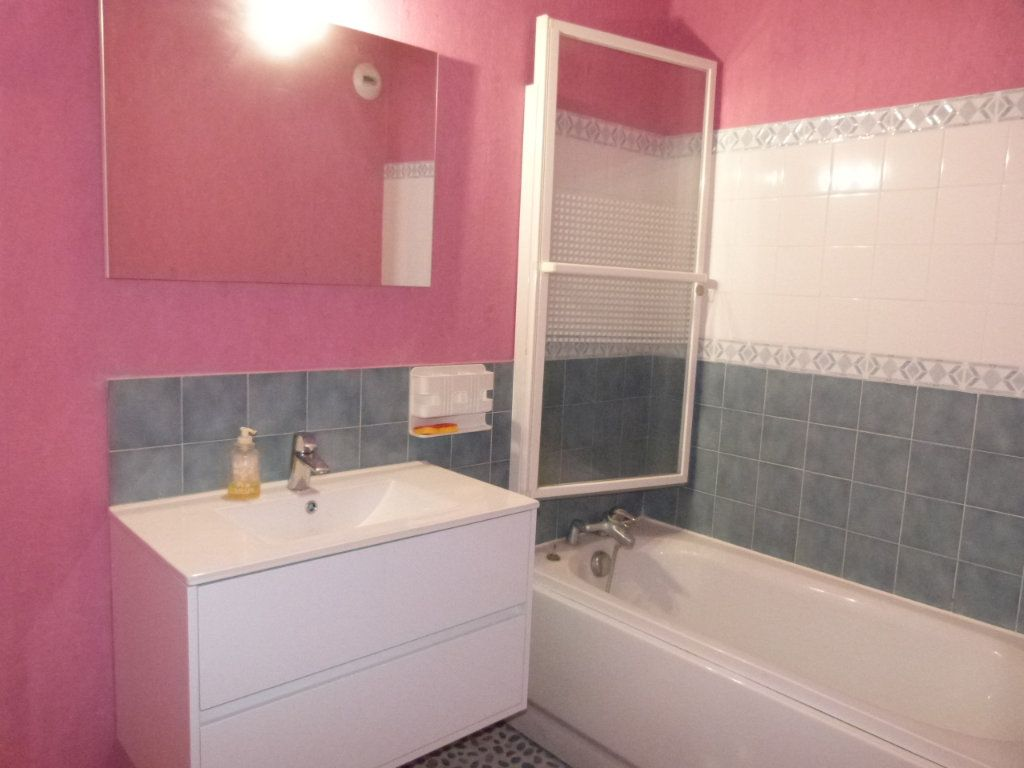 Appartement à vendre 3 65m2 à Le Petit-Quevilly vignette-6