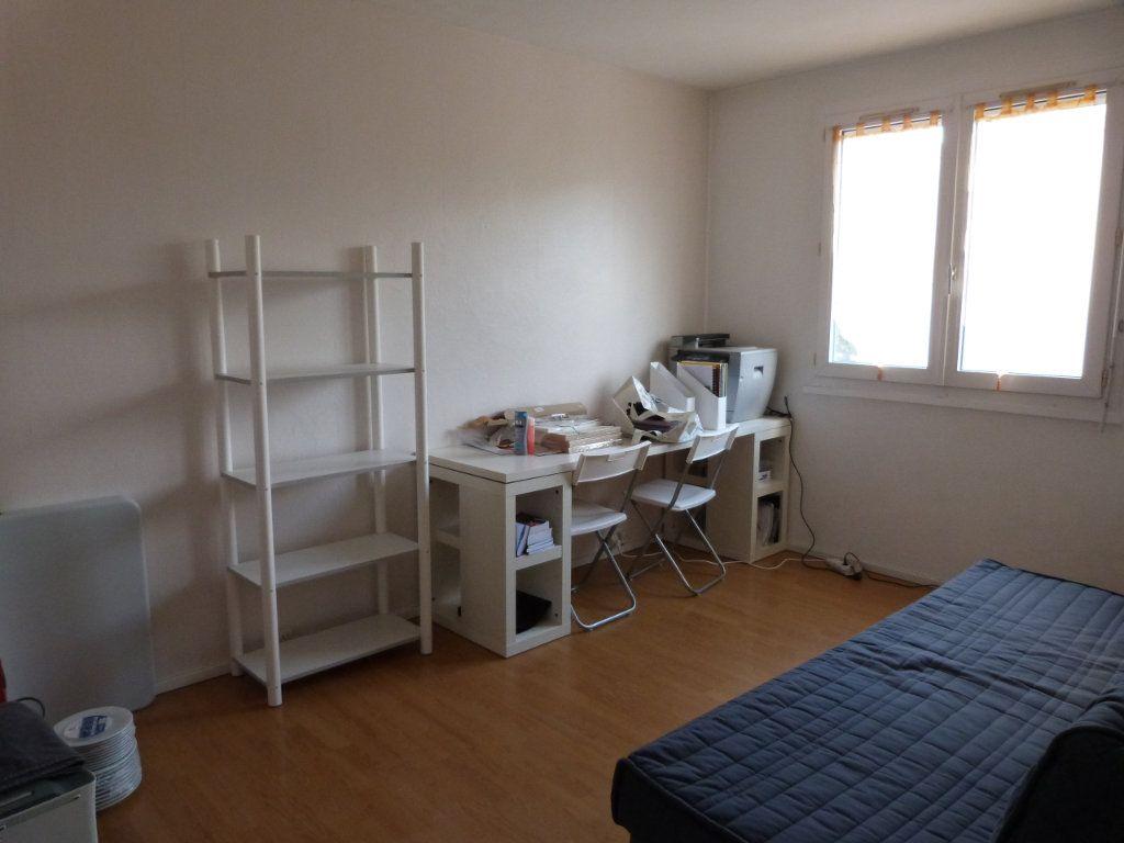 Appartement à vendre 4 67.94m2 à Le Grand-Quevilly vignette-5