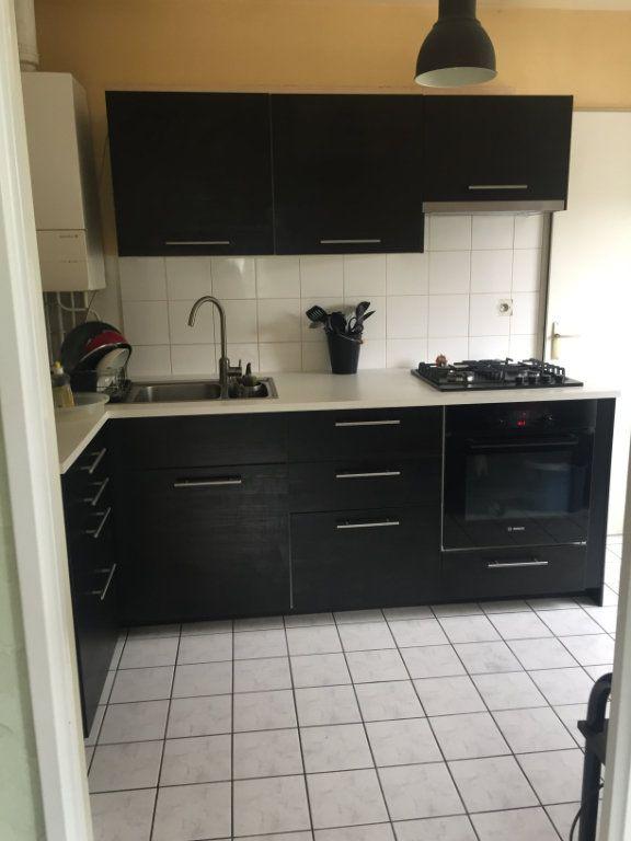 Appartement à vendre 3 72.35m2 à Petit-Couronne vignette-2