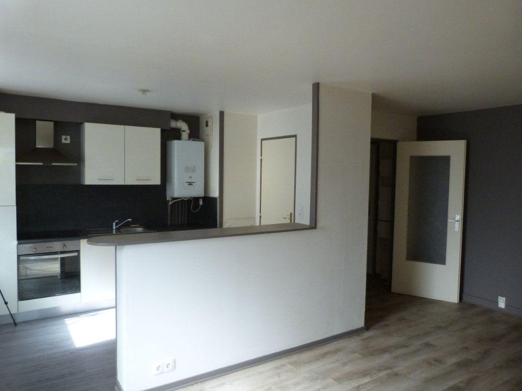 Appartement à louer 3 68.49m2 à Rouen vignette-3
