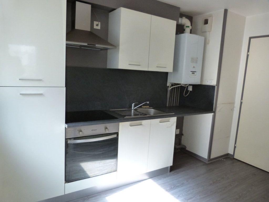 Appartement à louer 3 68.49m2 à Rouen vignette-4
