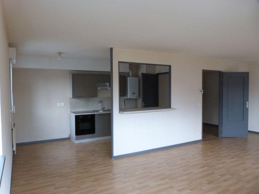 Appartement à louer 3 75.35m2 à Rouen vignette-2