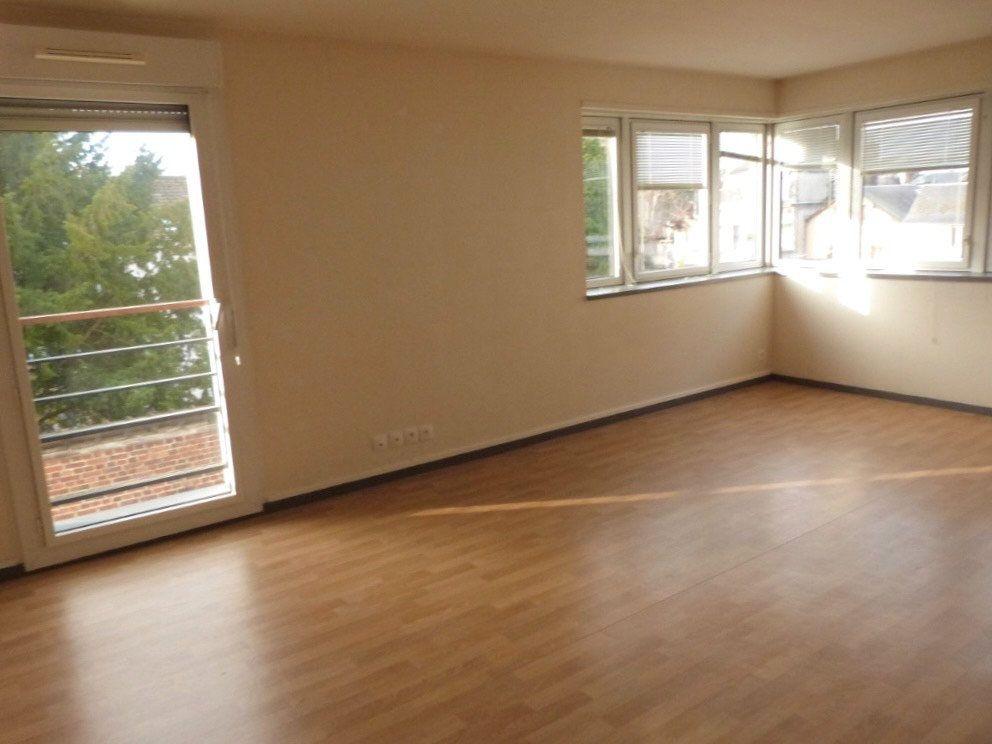 Appartement à louer 3 75.35m2 à Rouen vignette-3