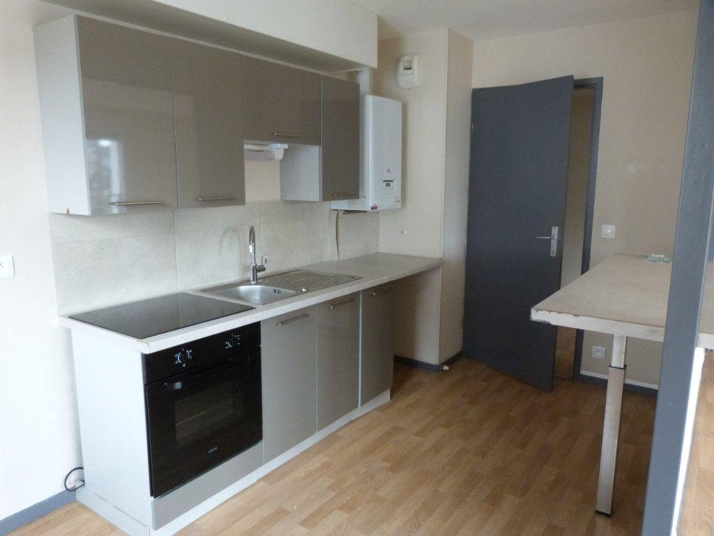 Appartement à louer 3 75.35m2 à Rouen vignette-4