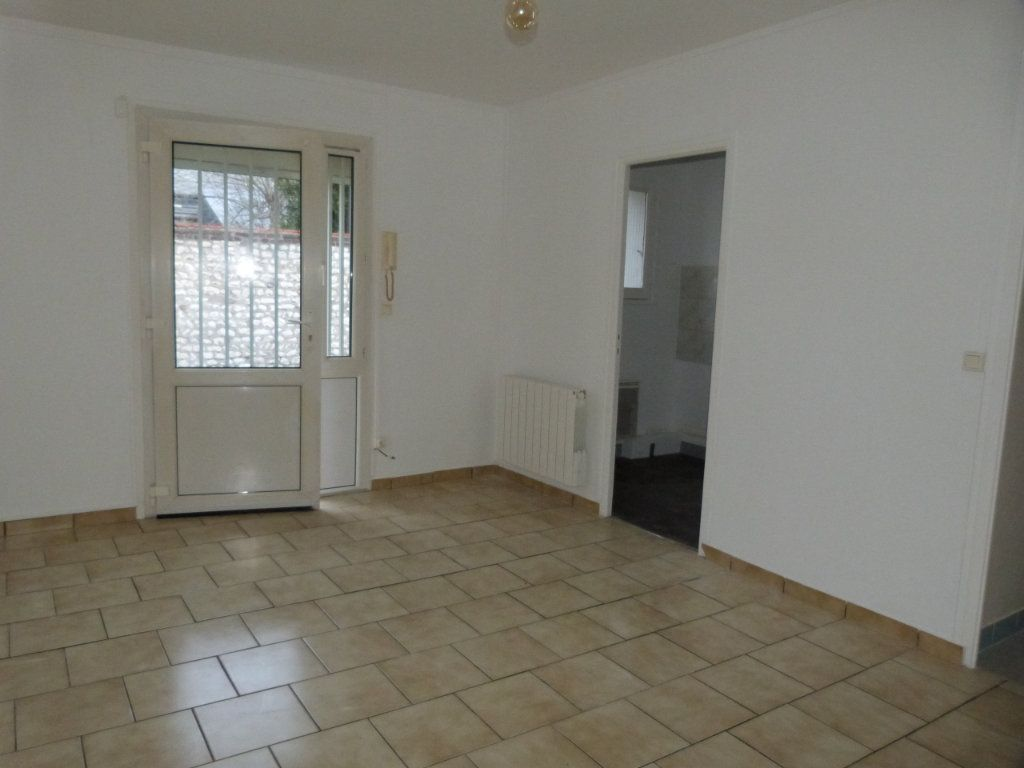Appartement à louer 1 24m2 à Rouen vignette-1