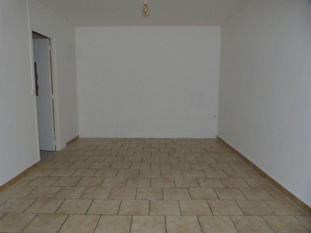 Appartement à louer 1 24m2 à Rouen vignette-2