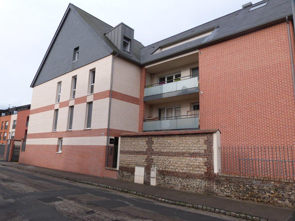 Appartement à louer 3 63.15m2 à Rouen vignette-1