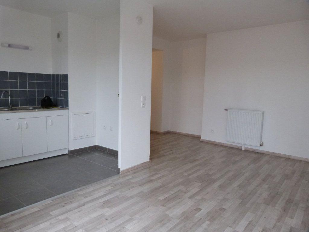 Appartement à louer 3 63.15m2 à Rouen vignette-2