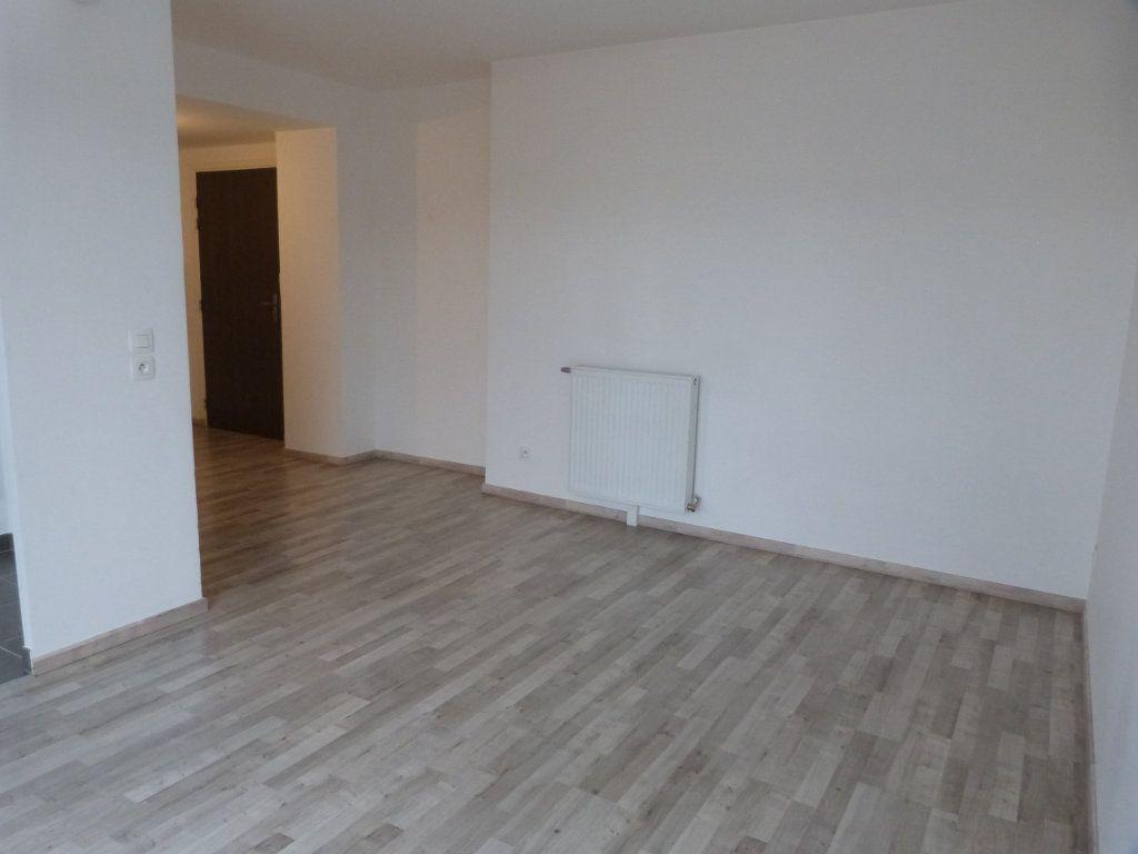 Appartement à louer 3 63.15m2 à Rouen vignette-3
