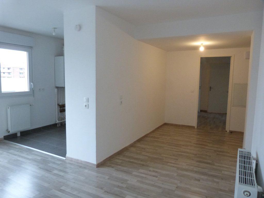 Appartement à louer 3 63.15m2 à Rouen vignette-4