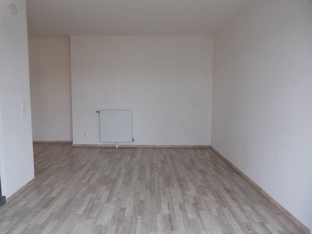 Appartement à louer 3 63.15m2 à Rouen vignette-8