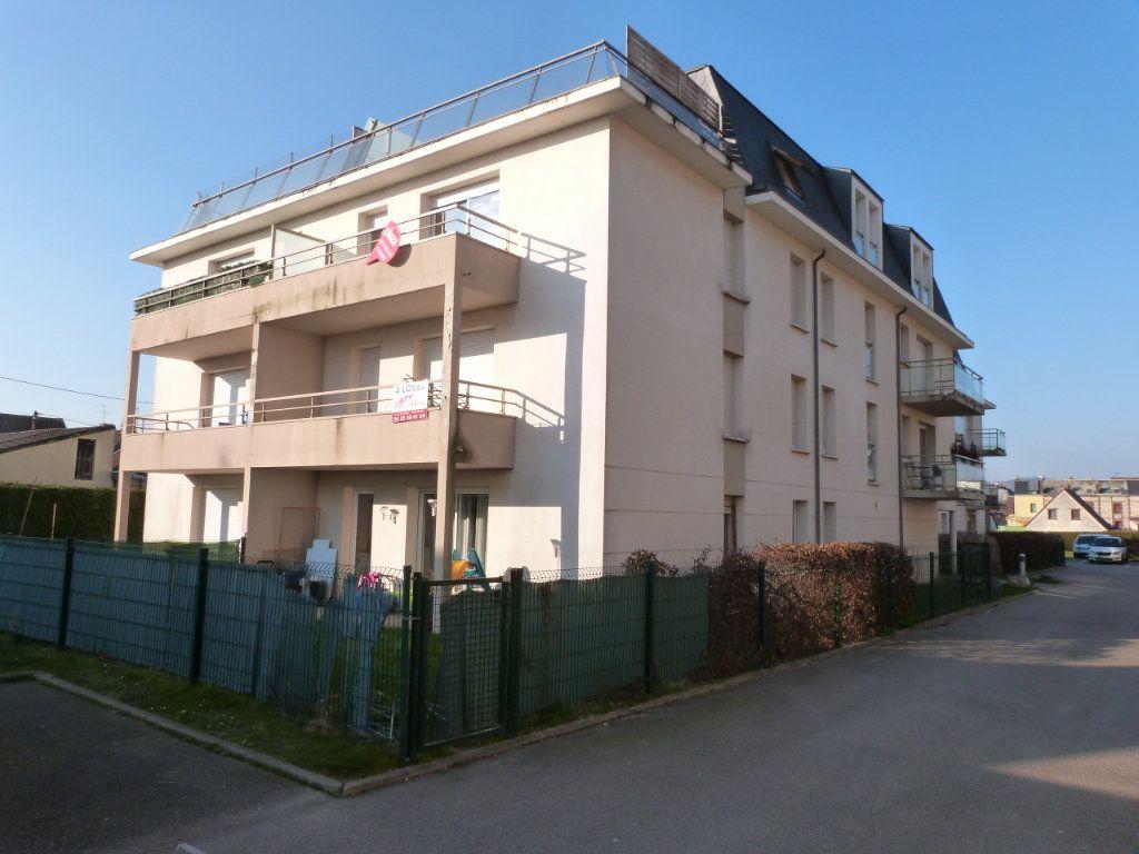 Appartement à louer 3 66.6m2 à Le Petit-Quevilly vignette-1