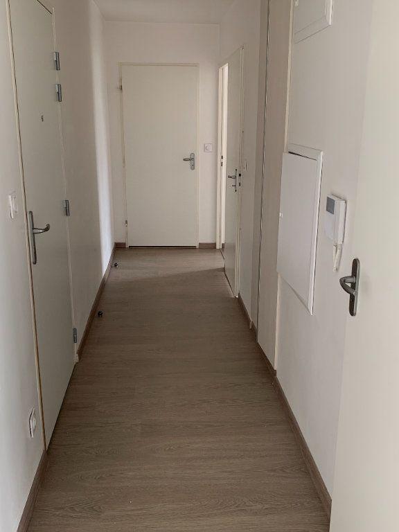 Appartement à louer 3 58.03m2 à Bois-Guillaume vignette-5