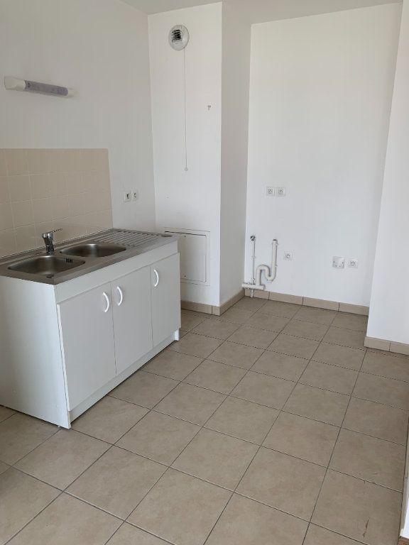 Appartement à louer 2 43.63m2 à Le Petit-Quevilly vignette-2