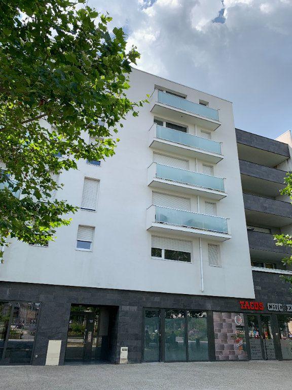 Appartement à louer 2 43.63m2 à Le Petit-Quevilly vignette-6