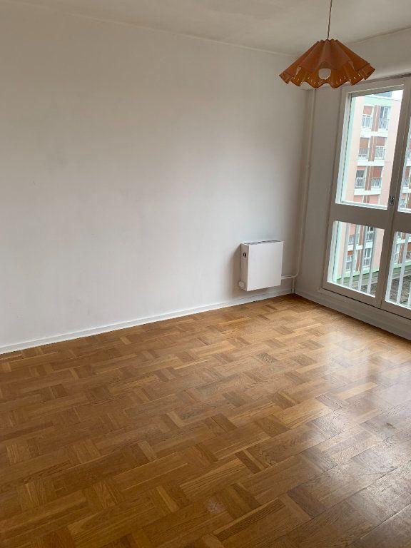 Appartement à louer 3 71.88m2 à Le Grand-Quevilly vignette-4