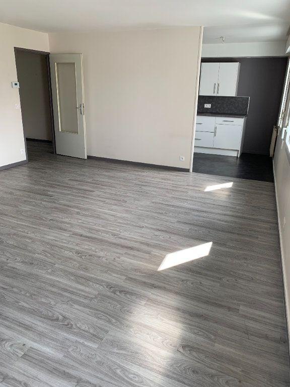 Appartement à louer 4 96.13m2 à Rouen vignette-2