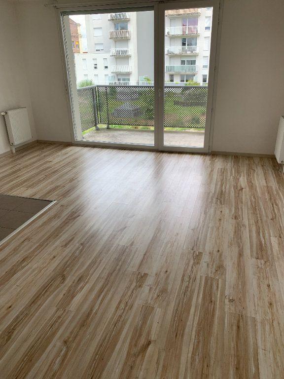 Appartement à louer 2 45.76m2 à Le Petit-Quevilly vignette-2