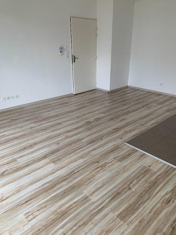 Appartement à louer 2 45.76m2 à Le Petit-Quevilly vignette-3