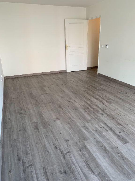 Appartement à louer 2 50.05m2 à Le Petit-Quevilly vignette-4